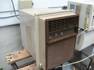 HOTPOINT 8,000 BTU VERTICAL AIR CONDITIONER   **$40**