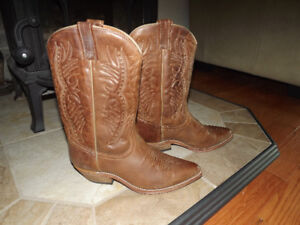 Brand new Men's leather boots