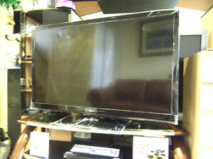 LG 55LW5000 + LG DVD SMART BLURAY DISC+ WHALEN TV STAND EV3N1CGT