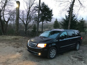 2015 Chrysler Town & Country Limited 1ère Main