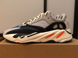 Yeezy Wave Runner 10us BRAND NEW WITH RECEIPT !!!
