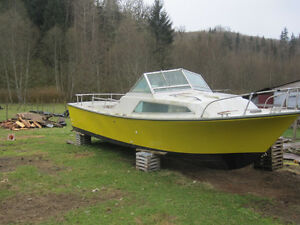 24' Yellow Boat