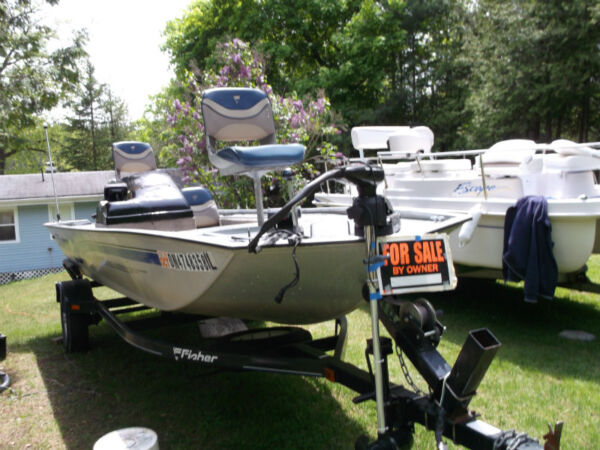 Used 1998 Tracker BASS BOAT 17 Ft Fisher by TRACKER 40HP MERCURY