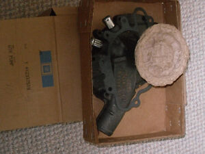 Nos water pump cast #412265 for cutlass/442 - 455/350 with A/C