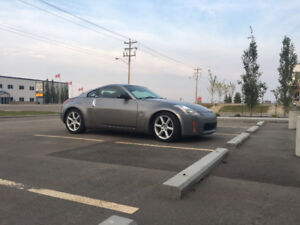 2004 Nissan 350Z REDUCED 6 speed low kms leather winter tires