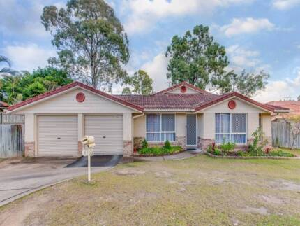 Forest Lake pet friendly family home