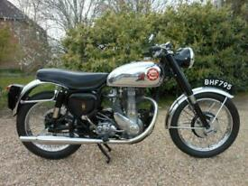 BSA GOLD STAR BB34GS 1953, GENUINE MATCHING NUMBERS MACHINE, LOVELY BIKE.