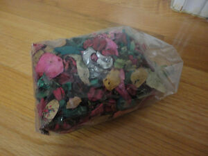 Pack of decorative scented pot pourri London Ontario image 2