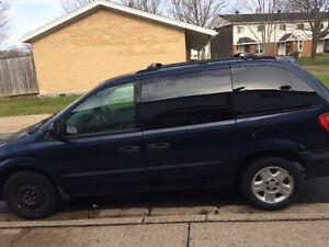 2004 Dodge Caravan Minivan, Van