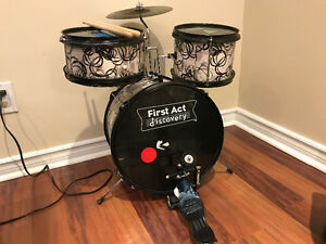 First Act Discovery - Kids Drum Set