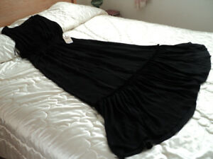 Beautiful black gown from IVANKA TRUMP'S evening line SIZE 10