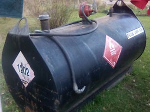 Fuel tank and hand pump ,on skid,