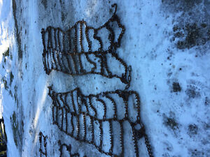 4 11R24.5 tire chains doubles Cambridge Kitchener Area image 2