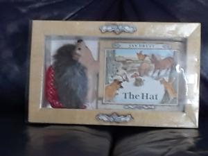 Jan Brett, The Hedgie Gift Box