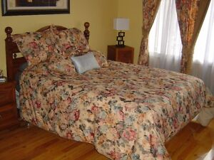 Literie et rideau /Matching beddings and curtains(Great price)