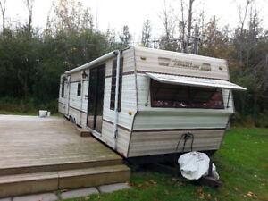 36 FT TRAVELAIRE PARK MODEL 3600/QB TRAILER WITH PULL OUT