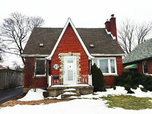 Very nice house with 2+1 bdrm, 3 bath, super convenient