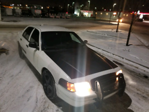 Ford crown victoria 2010