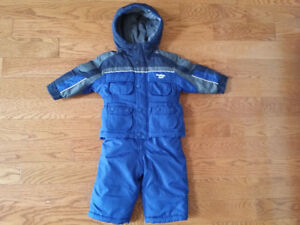 Boys 12 Month Osh Kosh Snowsuit (Like New)