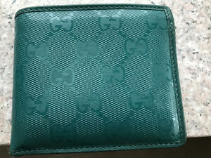 Luxury Gucci Wallet sell for only 200$