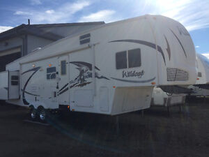 2009 Forest River Wildcat F32 Bunk house Fifth Wheel