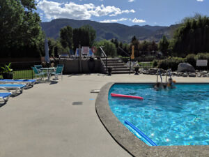 Penticton / Long-Term Rental with pool!