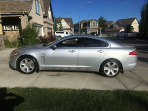 2010 Jaguar XF Luxury Sedan