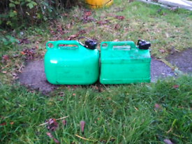 5 litre plastic petrol can container £5 each