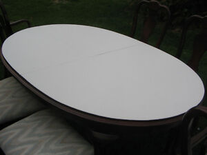 KROEHLER DINING TABLE AND SIX CHAIRS Kawartha Lakes Peterborough Area image 4
