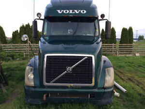 For Sale: 2007 Volvo 670 Sleeper Truck