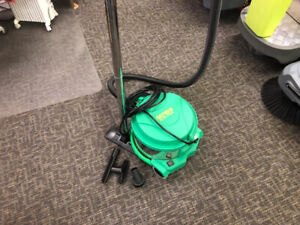 Vacuum Cleaner 3-Gallon (NEW-FREE SHIPPING)