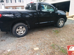 2011 Toyota Tundra Reg Cab 4x4 Short Box PRICE DROP!!!