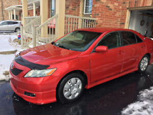 2007 Toyota Camry SE Rare Red Low Kms Sedan in excellent cond.!!