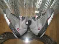 DS AIR JORDAN V RAGING BULL, WHITE/RED XII, JORDAN FUTURE