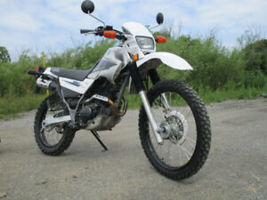 LIKE NEW CONDITION AWESOME ENDURO  ON OFF ROAD