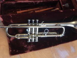 Vintage Olds Mendez Trumpet, Original Mendez 2 Mouthpiece & Case