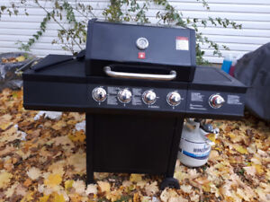 4 burner,+ side,Propane BBQ,  cover and almost full gas cylinder