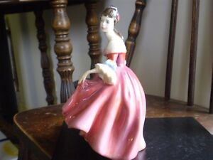 "Royal Doulton Figurine - "" Southern Belle "" HN 2229 Kitchener / Waterloo Kitchener Area image 3"