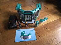 Playmobil bank with bank robbers