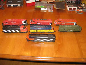 HO Scale Trains, Tracks and Buildings