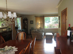 Bobcaygeon Bungalow c/w 2 Car Garage and Large Shop For Sale Kawartha Lakes Peterborough Area image 6