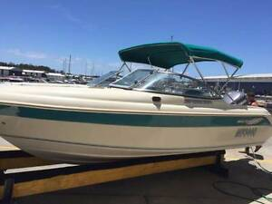 FOR SALE: Southwind SR550BR BOWRIDER - 2001 Model Hope Island Gold Coast North Preview