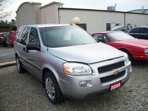 2009 Chevrolet Uplander LS , 7 Pass, 85000 Km Windsor Region Ontario image 3