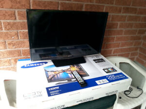"Samsung 28""  LED Television"