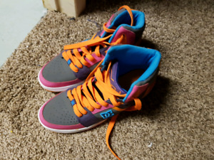 Size 10 woman's DC shoes worn once