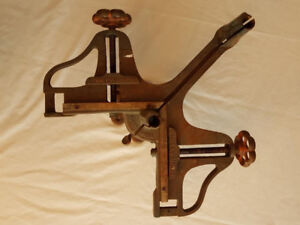 Stanley # 100 CAST IRON PICTURE FRAME MITER VISE