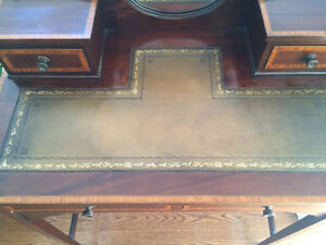 Beautiful Antique English Desk and Chair Peterborough Peterborough Area image 5