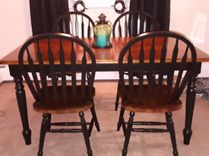 Dining Table Set & 4 Chairs