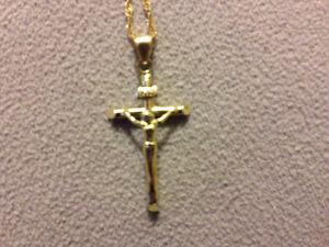 Gold chain and cruicfix