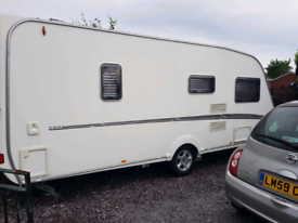 Swift challenger 2007 fixed double bed.